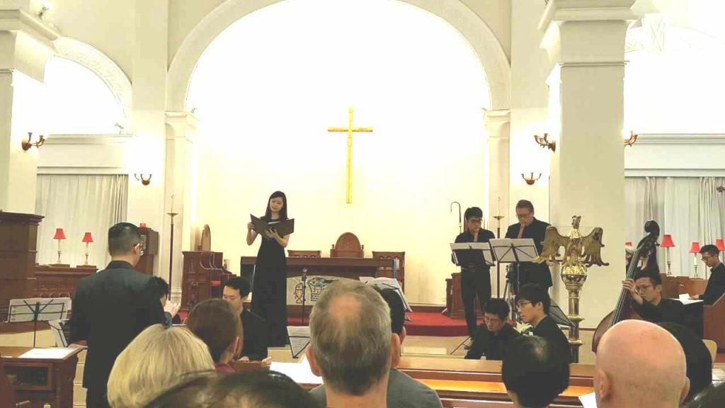 女高和两位recorder演奏者
