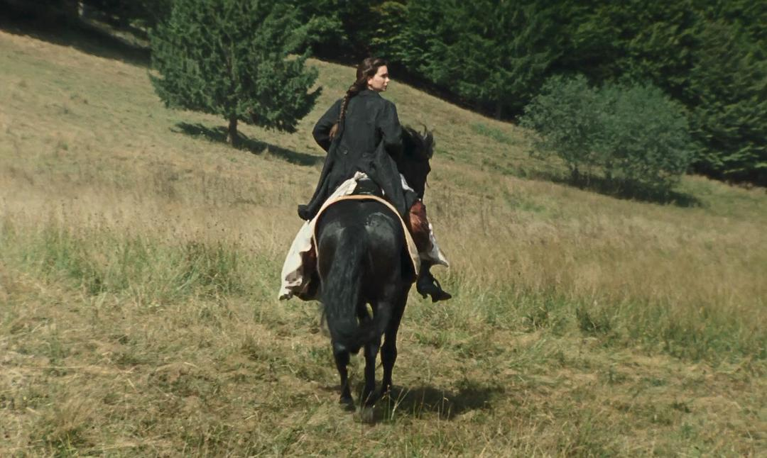 Abigail_horse_riding
